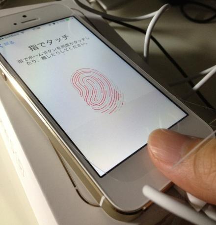 iPhone5sGold05v